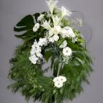 5. Vita liljor, Vita rosor, Vit orkidé, Brudslöja, Olika grönt